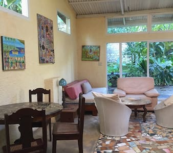 Furnished 1BD w/parking & utilities included - Petionville - Apartmen