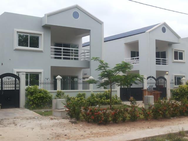 Cotonou Villa privéé 3 chambres avec front de mer