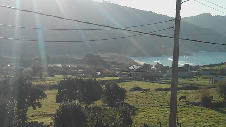 Casa con vistas ideales en Esteiro - Jove