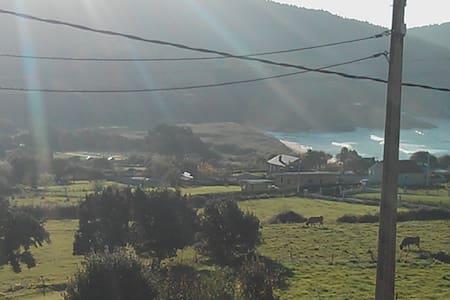 Casa con vistas ideales en Esteiro - Jove - 独立屋