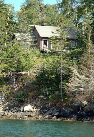 Island Cottage on Water w/Fabulous Sunset Views - Vinalhaven - Casa