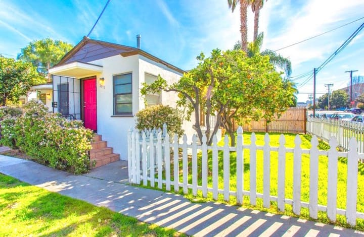2051 Charming Cottage near Little Italy & Gaslamp!