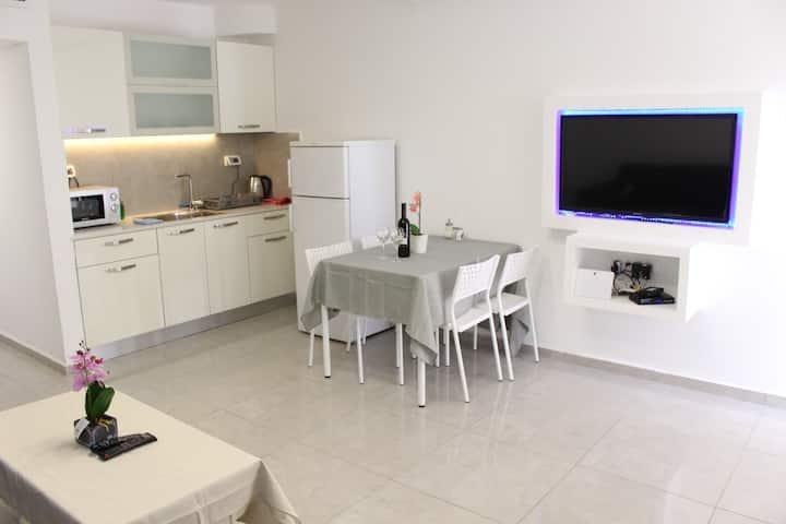 Lev Eilat Suite