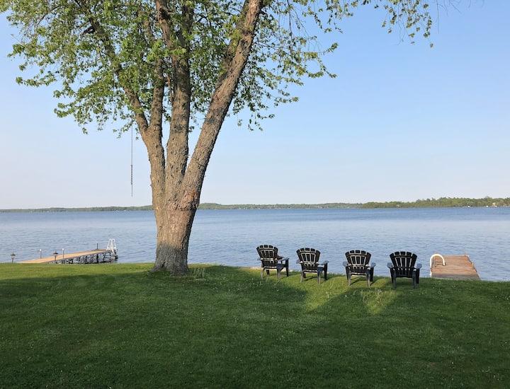 Cameron Lake waterfront cottage
