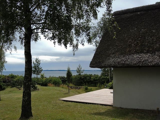 Charming cottage with seaview - Ebeltoft - Mökki