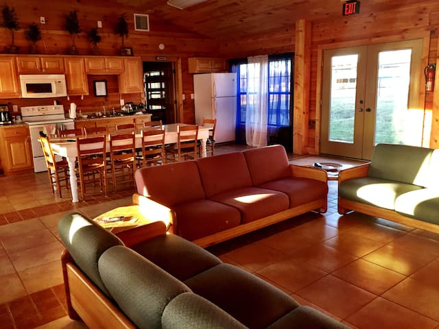 INDEPENDENCE LODGE Camp Liberty (1 Bay/8 bd)