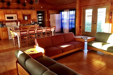 INDEPENDENCE LODGE Camp Liberty 1(1 Bay / 12 bd) - Vinemont - Cabaña en la naturaleza