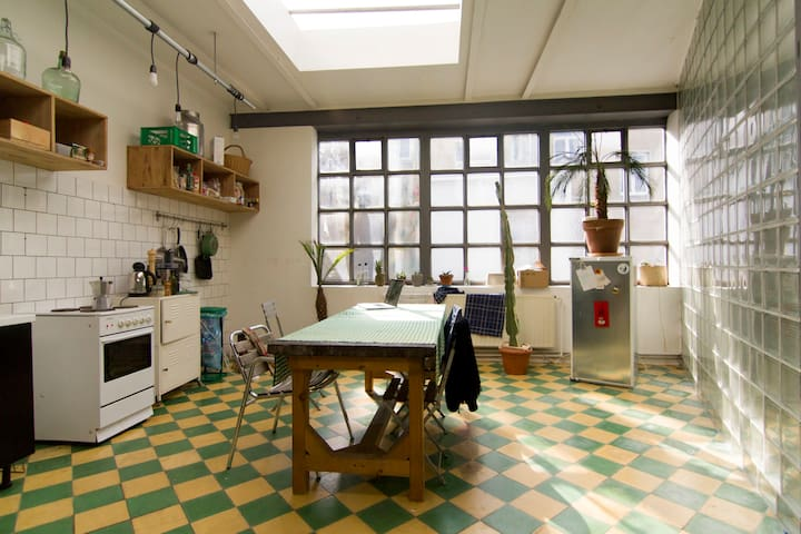 Large artist loft in beautiful home - Saint-Gilles - Talo