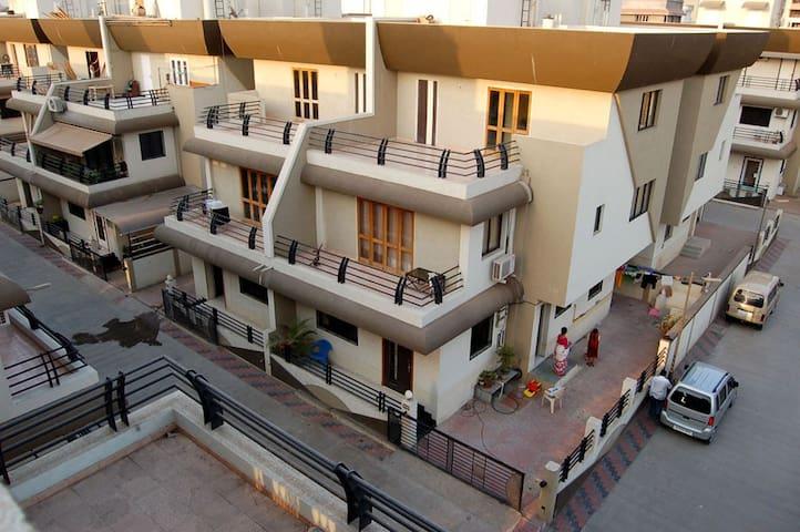 4 bedroom Bunglow @ Surat(Gujarat) - Surat - Dům