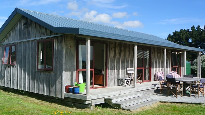 Sunny Waitarere Family Bach - Waitarere Beach - Huis