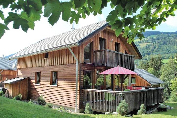 Wooden Chalet in Styria near Kreischberg Ski Area