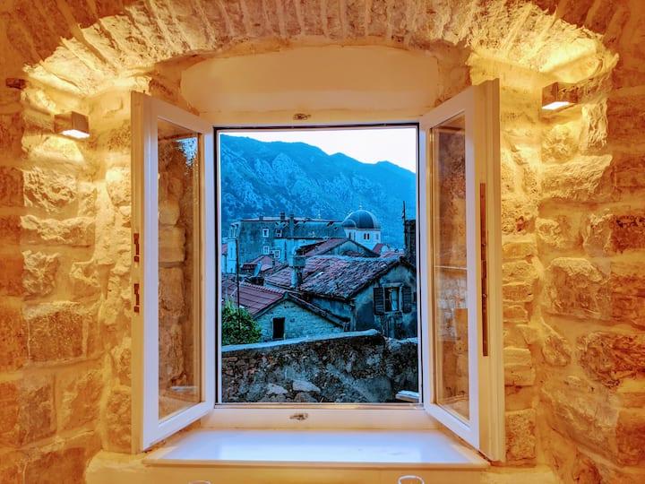 Romantische Rooftop Aussicht  – Old Town 404
