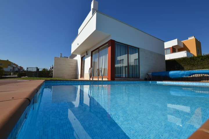 AD PL - Moderna moradia com piscina privativa