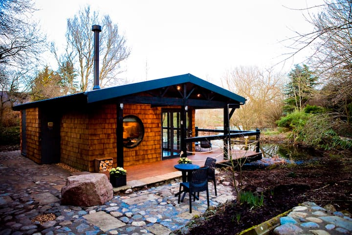 The Lakehouse, Cabin for 2, Chester