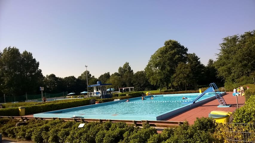Family house Amsterdam - open air swimming pool - Ouderkerk aan de Amstel - Hus