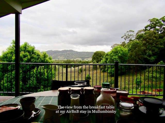 Deveron House. Spacious room with own bathroom. - Mullumbimby Creek - Casa