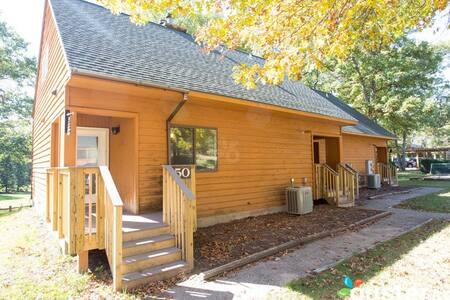 2 BR / 2 Bath Villa - Christmas Mountain Village - Wisconsin Dells - Villa