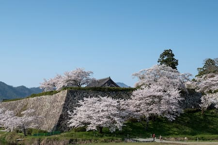 日本の田舎と山々に囲まれた、いにしえの香り漂う文化都市、三田と篠山 - Sanda - Talo