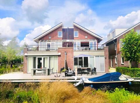 Amsterdam ve Plaj yakınında Göl Kenarında Tatil Dairesi