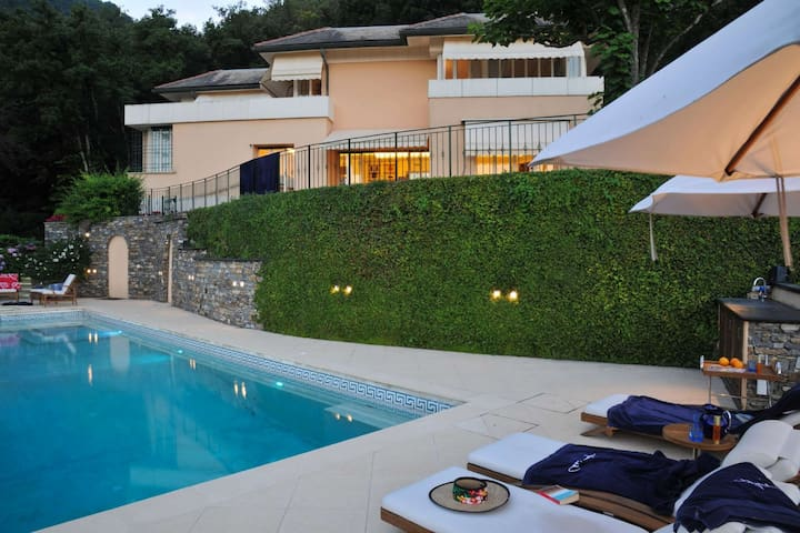 Villa with beautiful sea views and private pool
