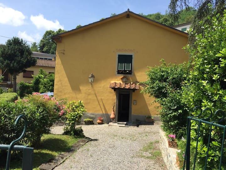maison  dans le centre de Bagni di Lucca