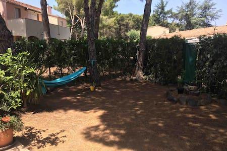 Pinède proche mer Cap d'Agde grand jardin 70 M2