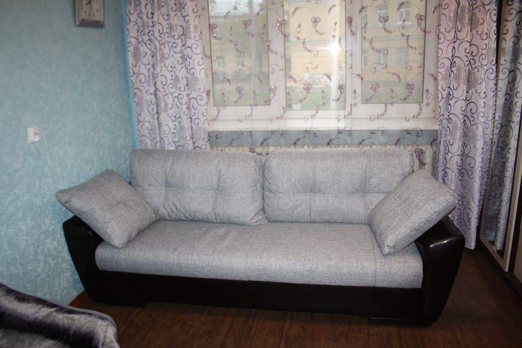 новый удобный диван