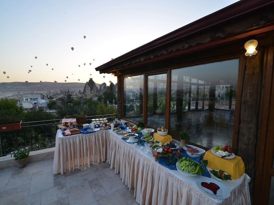 terrace restaurant and breakfast area