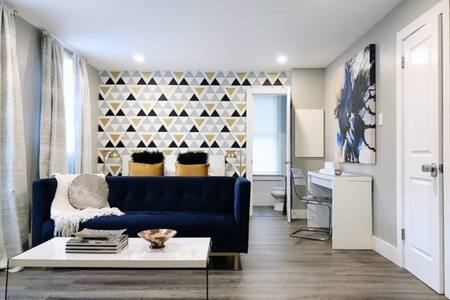 Stay in Comfort & Style in the Heart of Park Ave