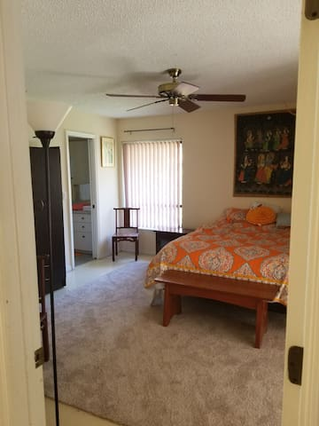 Private Master Bedroom  Downtown and Beaches