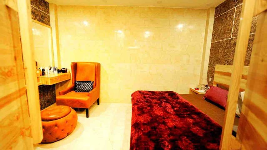 #Studio Apartment #City Centre #New Delhi#Airport