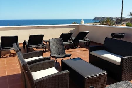 Fabulous Beachside Family Apartment - Mazarrón