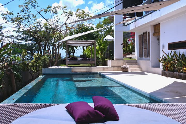 TOP HILL RETREAT VILLA AWAN ULUWATU