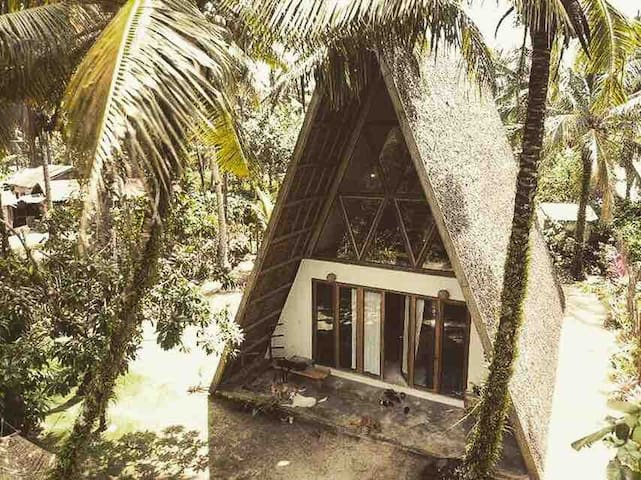 Welcome to the Triangle house Siargao!