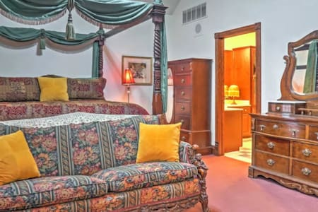Master Suite located on the first floor of the Rosberg House Bed and Breakfast www.rosberg.house
