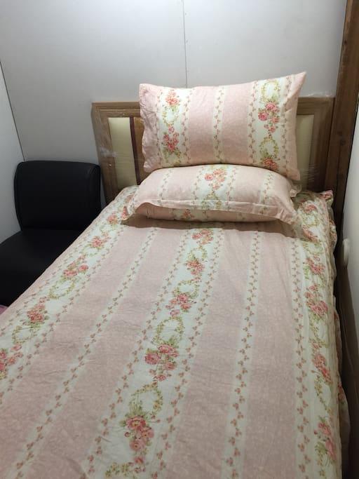 床墊是五星級,超級舒服的喔!為你小築巢。 歡迎您