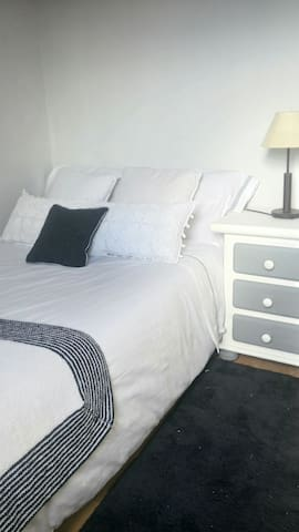 Acogedor cuarto muy luminoso, - Lugo - Wohnung