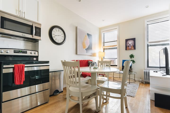 3 BED 2 BATH Williamsburg Brooklyn Townhouse APT