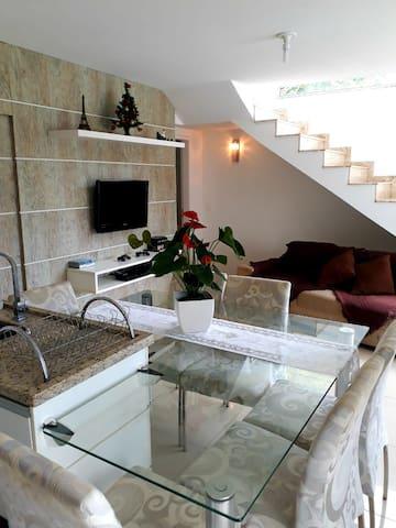 Casa em Florianópolis!!! Ótima localização!!!