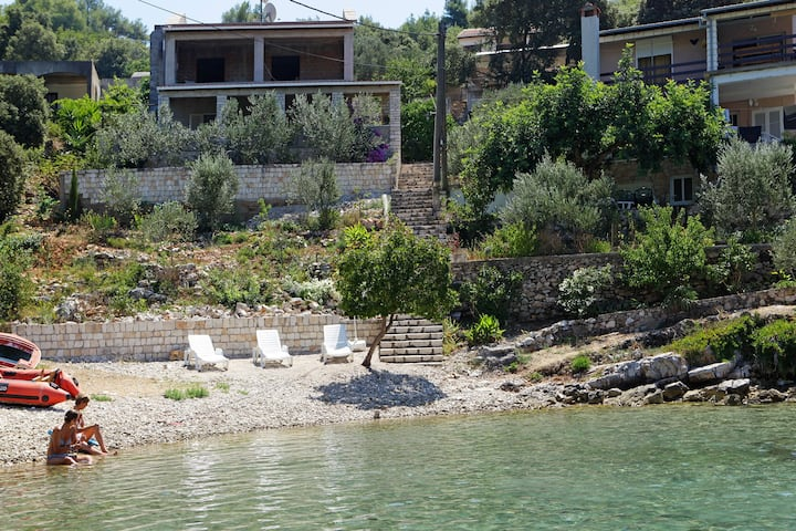 House for 4 pers with WLAN in Vela Luka R8019