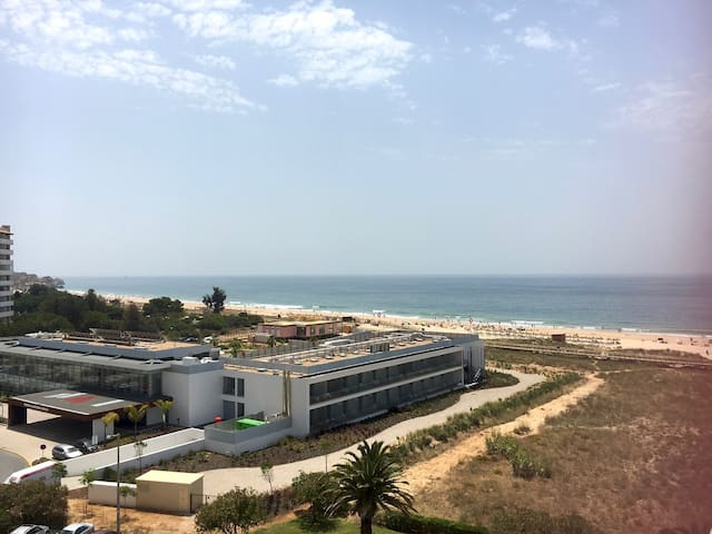 Apartment with beach and river view - Alvor - Huoneisto