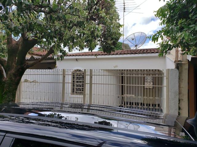 Casa em Mirassol sem mobília.