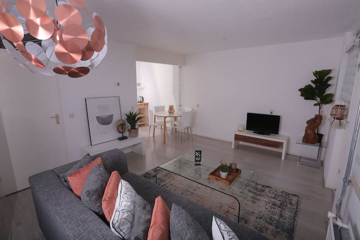 Lovely Apartment + Free Parking + Great for Expats