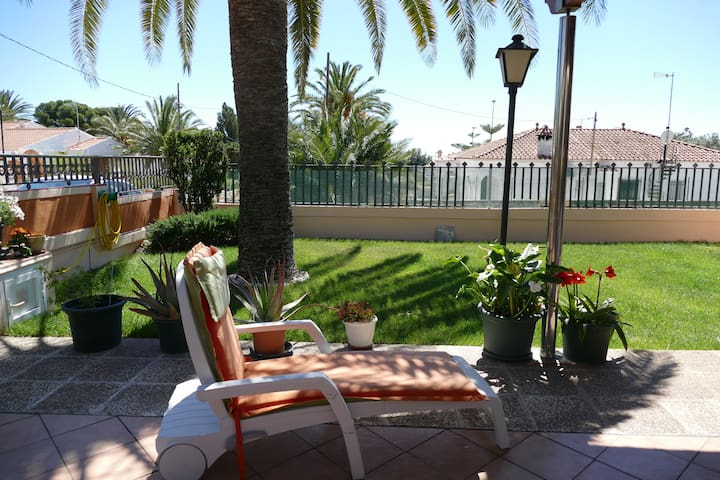 Deal family cottage close to the beach - Alcanar - Casa