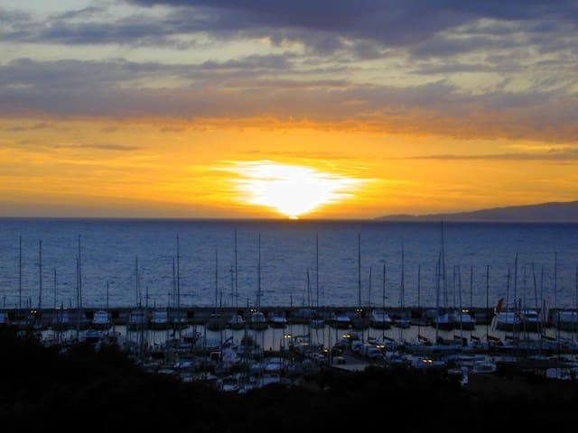 Aprile, appartamento 101  sul mare di  Punta Ala - Punta Ala - Apartmen