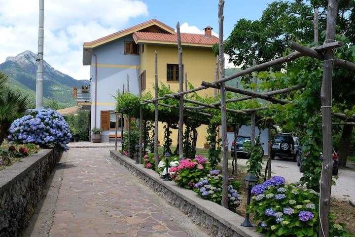 B&B Villa Elisa Agerola near Amalfi Coast
