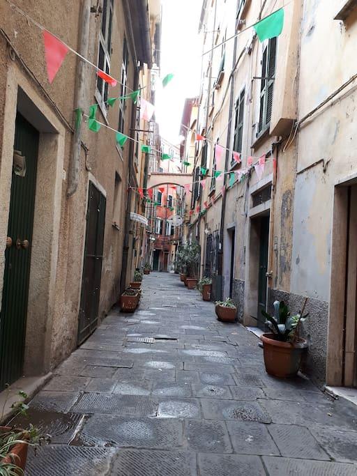 Il Carrugio /Carrugio street view