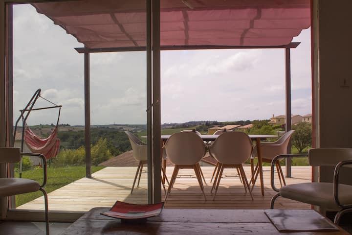 Lake side contemporary villa