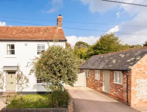 Private Annexe in Hurstbourne Tarrant