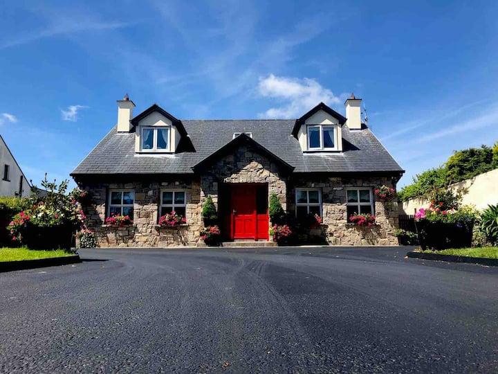 Luxury Country Cottage - Sleeps 9
